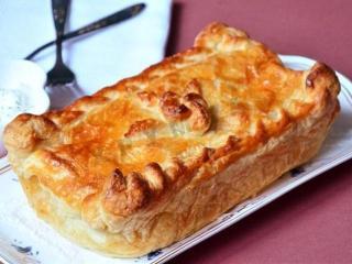 Пирог с лососем. Вкусный рецепт праздничной выпечки.