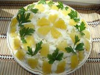 Вкусный салат оливье с ананасом с простым рецептом приготовления - настоящая находка для праздничного меню.