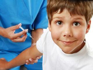 Когда делать прививки детям