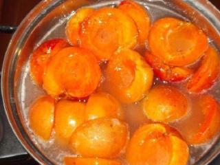 Варенье из половинок абрикосов